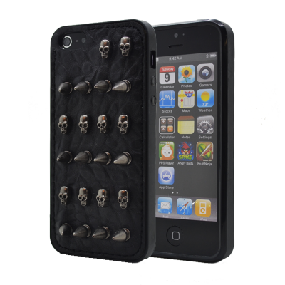 Studded leather pattern FlexiSkal till Apple iPhone 4S/4 (Arrow Skulls)
